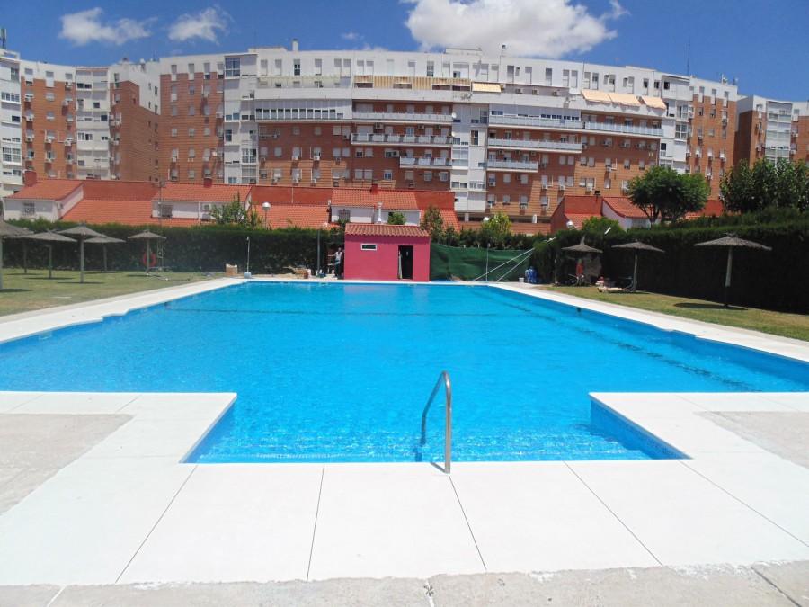 piscinas publica rehabilitada con liner