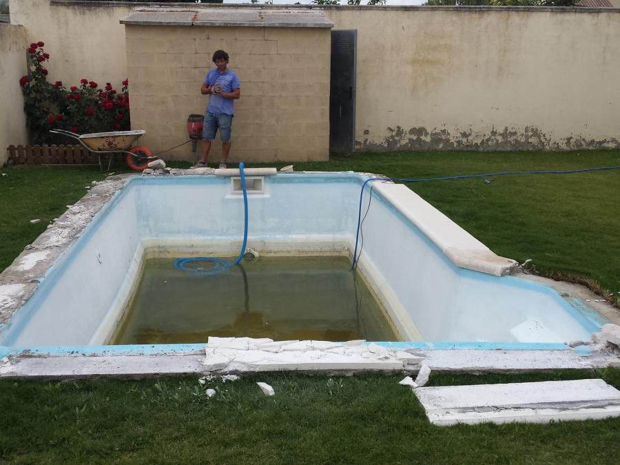 nueva re-construcción de una piscina nueva con liner